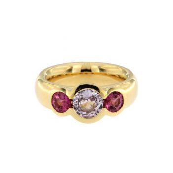 Ring Gentle Reflection aus Gelbgold 750 mit einem Saphir und 2 Turmalinen